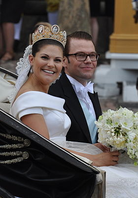 280px-Royal_Wedding_Stockholm_2010-Slottsbacken-07